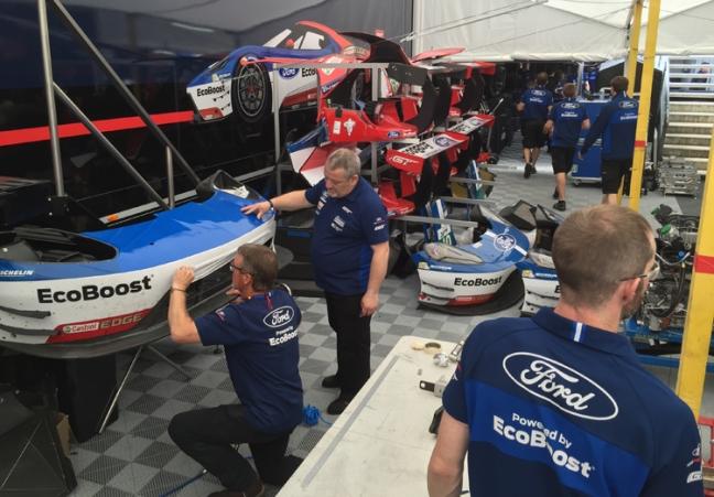 Ford-GT-Lemans-Garage