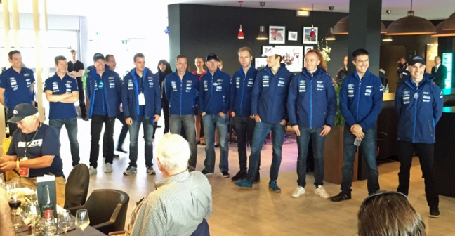Ford-GT-Lemans-Race-Team